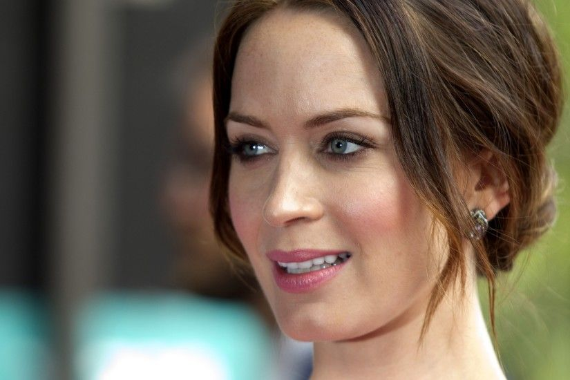 Preview wallpaper emily blunt, actress, brunette 3840x2160