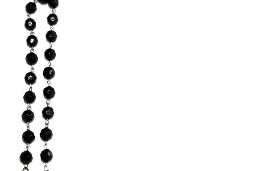 ... Black Chain Pearl Background ...