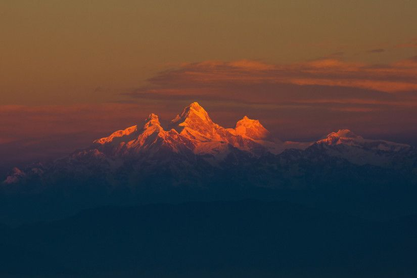2560x1440 Wallpaper mountain range, himalayas, mountains, sky, fog