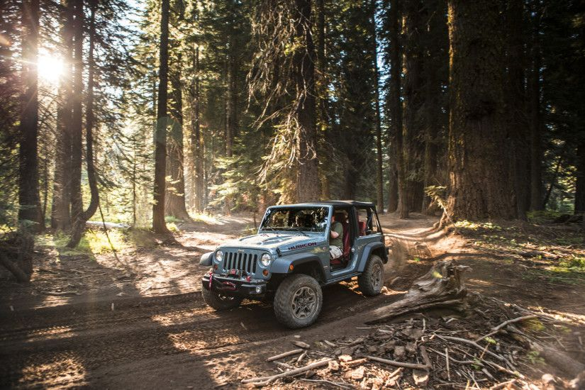2013 Jeep Wrangler Unlimited Rubicon 10th Anniversary Edition - Static 6 -  1920x1440 - Wallpaper
