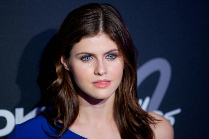 alexandra daddario hd widescreen wallpapers for laptop