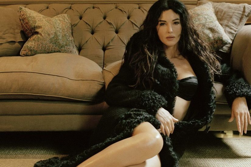 Monica Bellucci X wallpaper