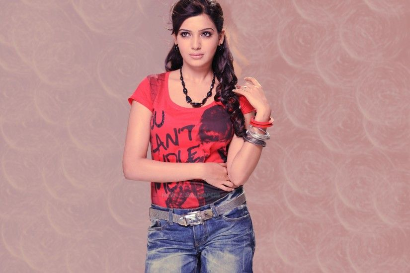 Samantha Prabhu Hot in Red T-Shirt
