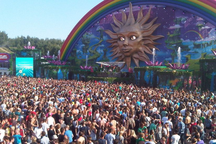 Bucket List: Tomorrowland Festival in Belgium.