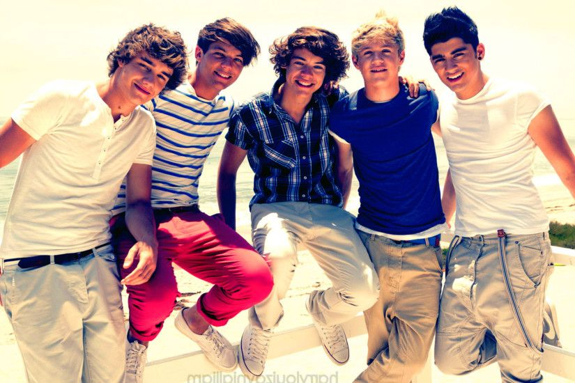 One Direction – Group Cool Twitter Background