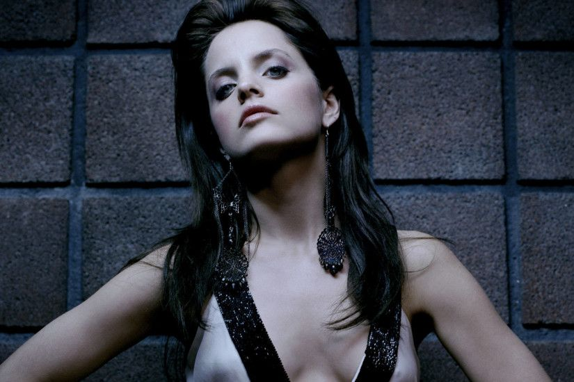 mena-suvari-wallpapers-10