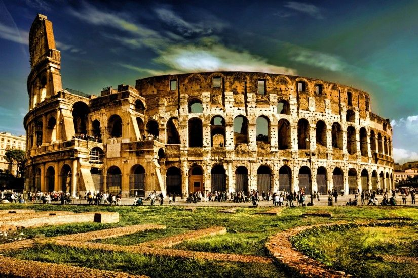 Colosseum Elliptical Amphitheatre Wallpaper
