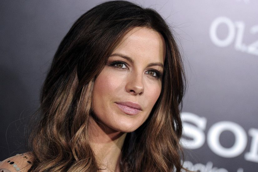 We have a large database of wallpapers for your desktop, You can find  similar Kate Beckinsale wallpapers bottom of this page, or see wallpapers  in the same ...