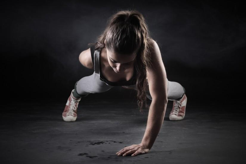 Fitness Girl One Hand Push Up HD Wallpaper