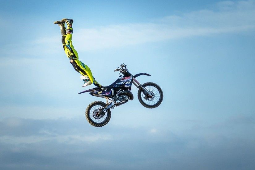 Motocross Bike High Jump Extreme Sports Wallpaper HD