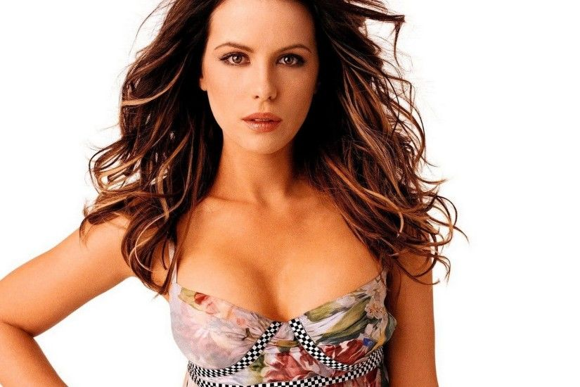 Kate Beckinsale, Cleavage Wallpaper HD