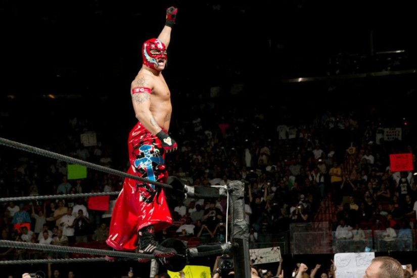Royal Rumble 2006 was the night of Rey Mysterio. The Ultimate Underdog  entered the match
