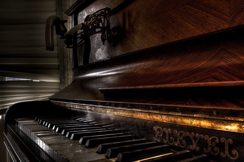 Free-HD-Piano-Wallpapers-1