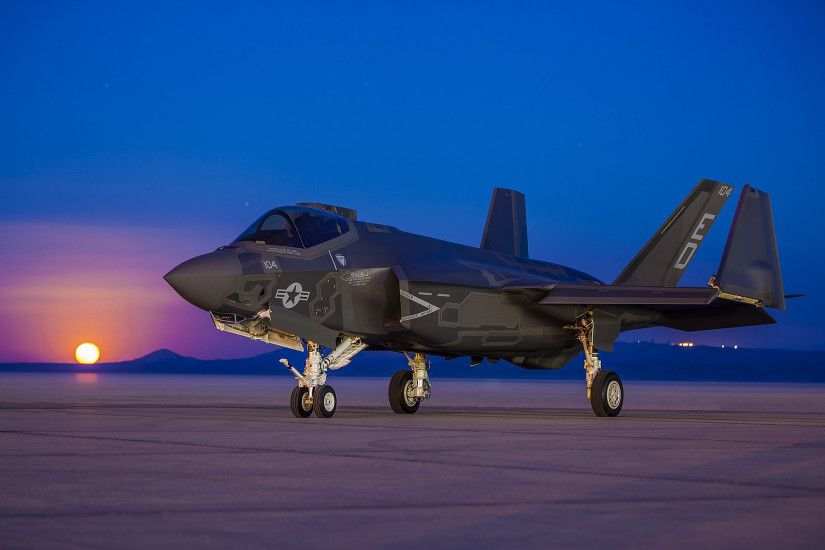 An F-35 of the US Airforce [1,920 × 1,200] ...