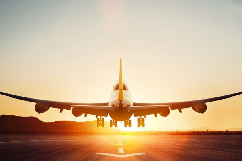 Boeing 747-8 aircraft takeoff, dawn, Lufthansa Wallpaper Preview