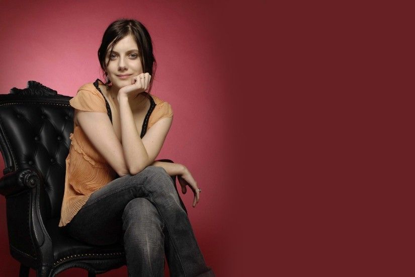melanie laurent desktop wallpaper 53767