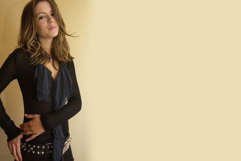 Check out the beautiful collection of Kate Beckinsale wallpapers: