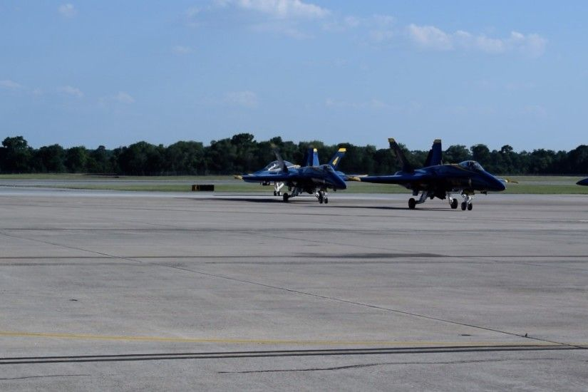 The U.S. Navy Blue Angels will be performing Saturday and Sunday at 3pm  during Wings Over Wayne. Wings Over Wayne is a free event and more  information as ...