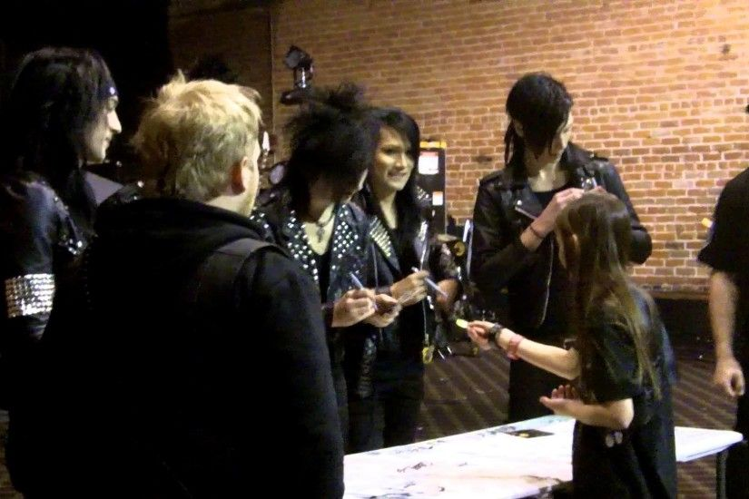 2013 01 05 Little girl meeting Black Veil Brides at The Nile in Mesa, AZ -  YouTube