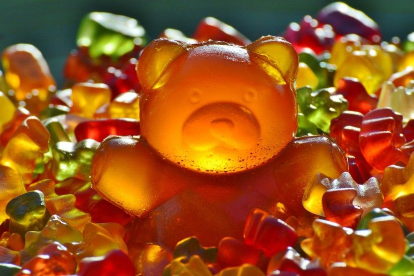 animals, Bears, Gummy Bears, Sweets, Candies, Colorful, Food, Closeup,  Depth Of Field, Simple Background, Glowing Wallpapers HD / Desktop and  Mobile ...