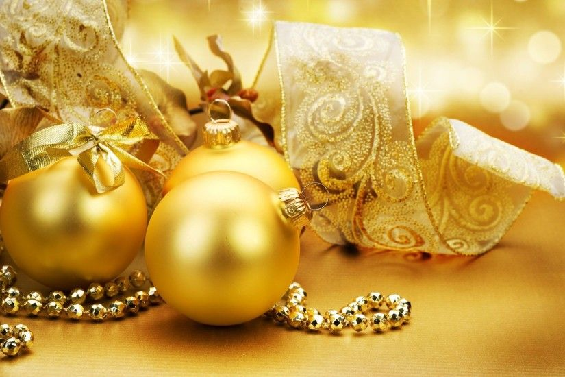 gold fantasy balls | Gold ornaments on the Christmas tree wallpapers and  images - download .