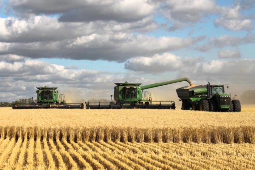 Images For > John Deere Combine Wallpaper