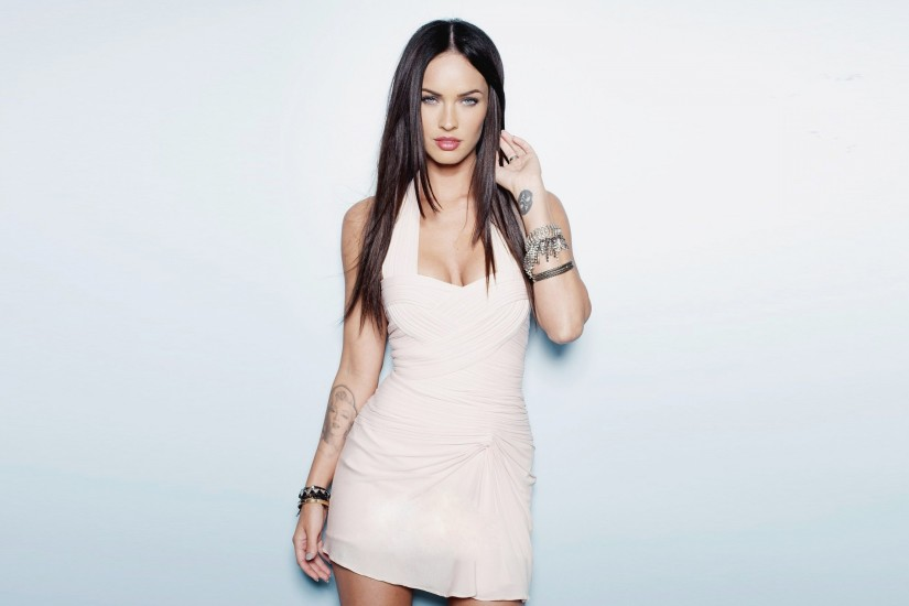 Preview wallpaper megan fox, dress, brunette 3840x2160