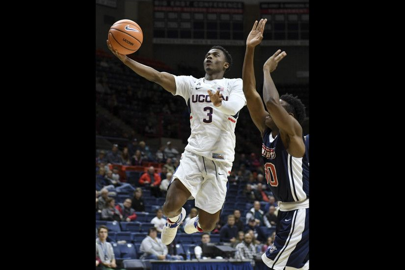 UConn Men Overwhelm Queens College 100-43 In Final Exhibition Game -  Hartford Courant