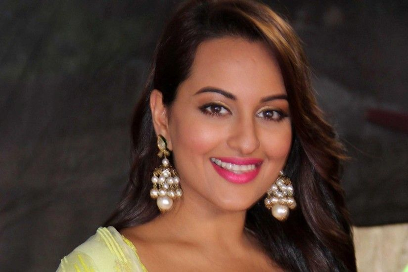 Download Free HD Images of Sonakshi Sinha
