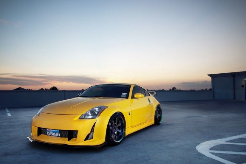 1920x1080 Yellow Nissan 350z on Rooftop