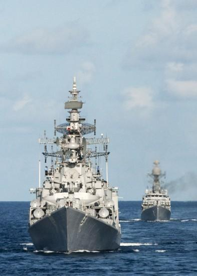 Class Destroyer of the Indian Navy at Exercise Malabar 2012 [Wallpaper .