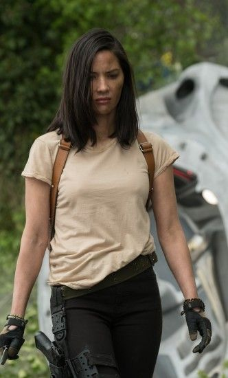 Olivia Munn In The Predator Movie (iPhone 6+)