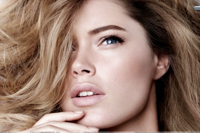 "You are viewing wallpaper titled ""Doutzen Kroes ..."