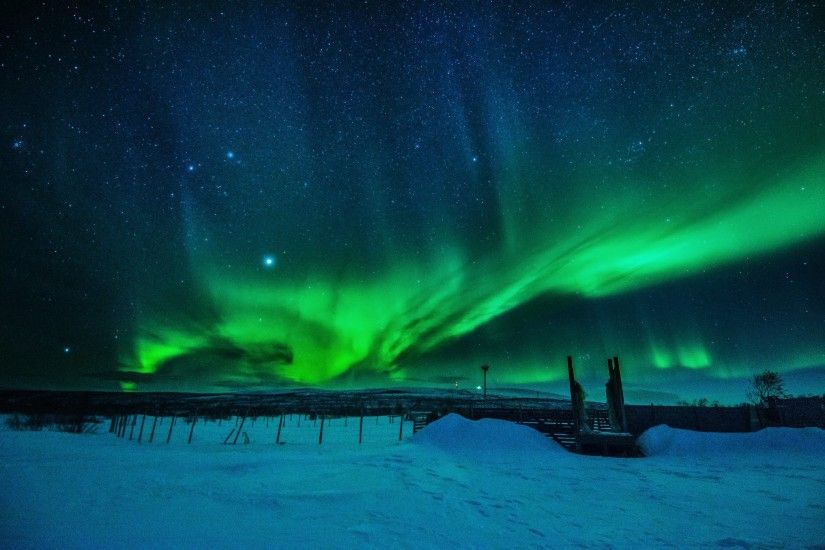 Northern lights landscape winter snow EnontekiA wallpaper | 2048x1356 |  424346 | WallpaperUP