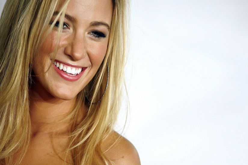 Blake Lively Widescreen Wallpaper