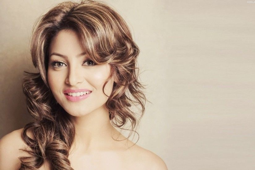 [25*] Urvashi Rautela Hd Wallpapers From Latest Movie in 2017