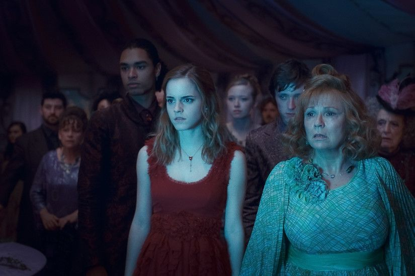 harry_potter_and_the_deathly_hallows_movie_image_emma_watson_01