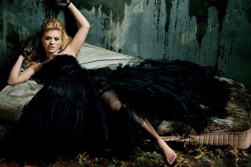Description from Women Kelly Clarkson Singers Black Dress Fashion  Photography :