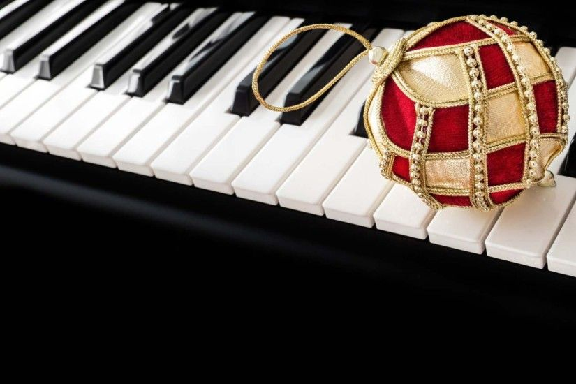 Christmas Ball With Piano Wallpaper HD | HD Christmas Wallpaper Free  Download ...