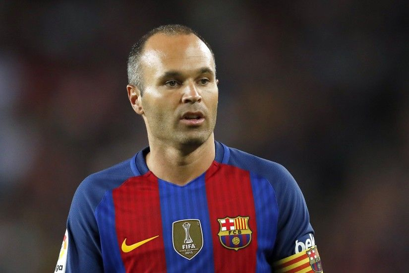 Andres Iniesta signs life time contract with Barcelona