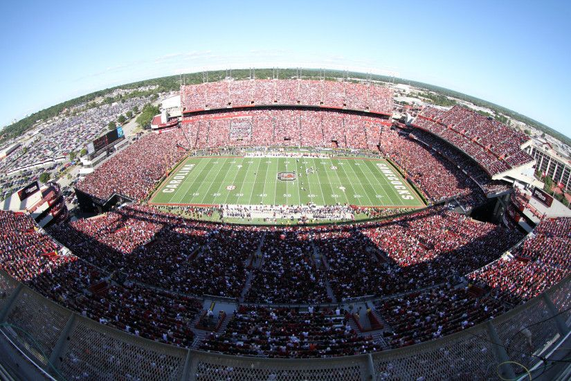 Williams-Brice Stadium (Auburn 10-1-11).jpeg