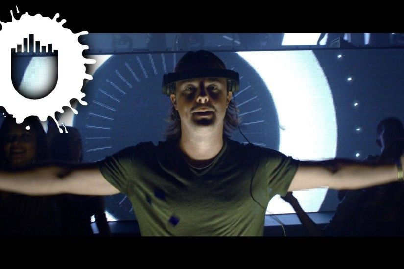 Axwell - Center Of The Universe (Official Video) - YouTube