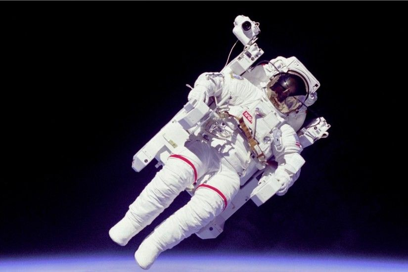 ... weightlessness, orbit news, pictures and videos and learn all about  astronaut, weightlessness, orbit from wallpapers4u.org, your wallpaper news  source.