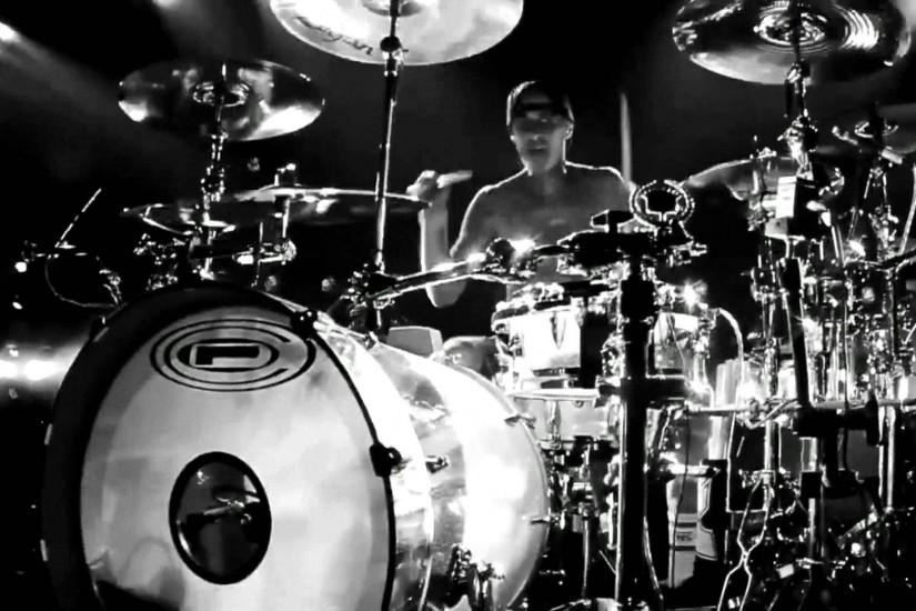 Displaying 16> Images For - Travis Barker Drumming Wallpaper.
