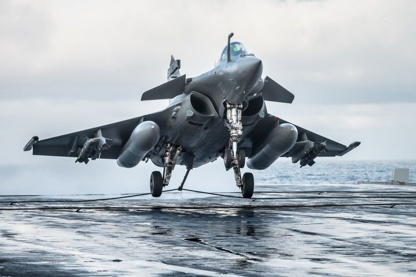 Dassault Rafale M performing a carrier landing.