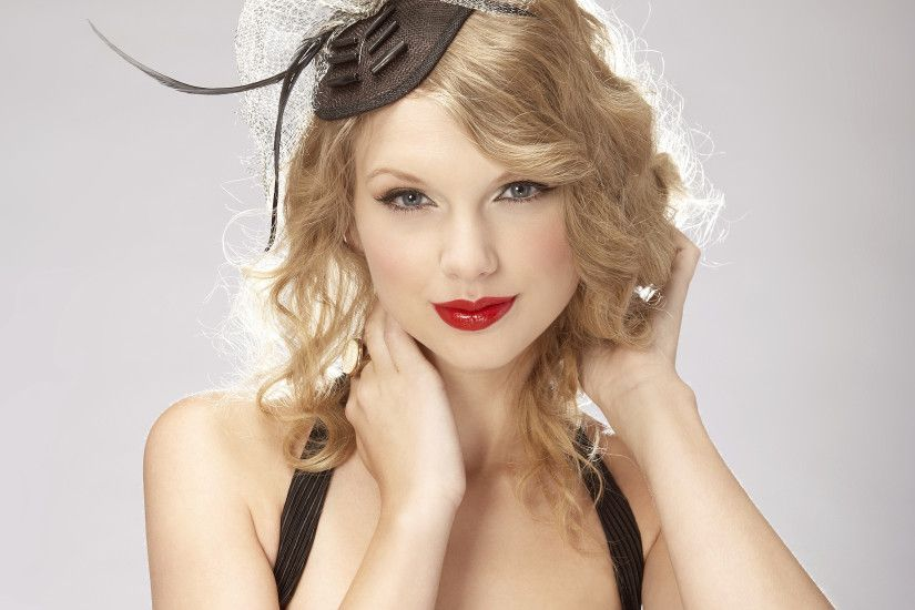 Singer Writer Taylor Swift Shake It Off Staples Wallpaper