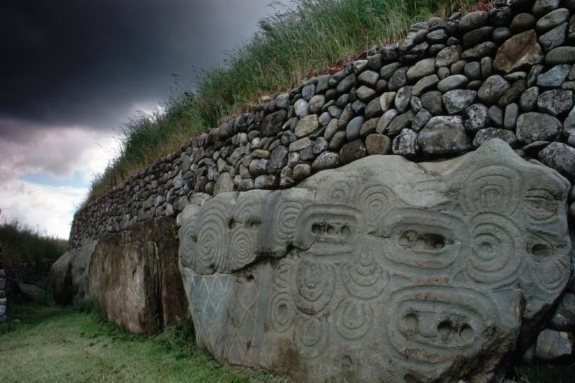 Newgrange County Meath Ireland Wallpaper
