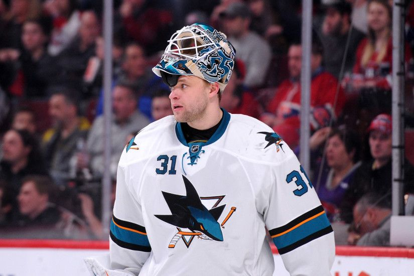 MONTREAL, QC - MARCH 21: Antti Niemi #31 of the San Jose Sharks