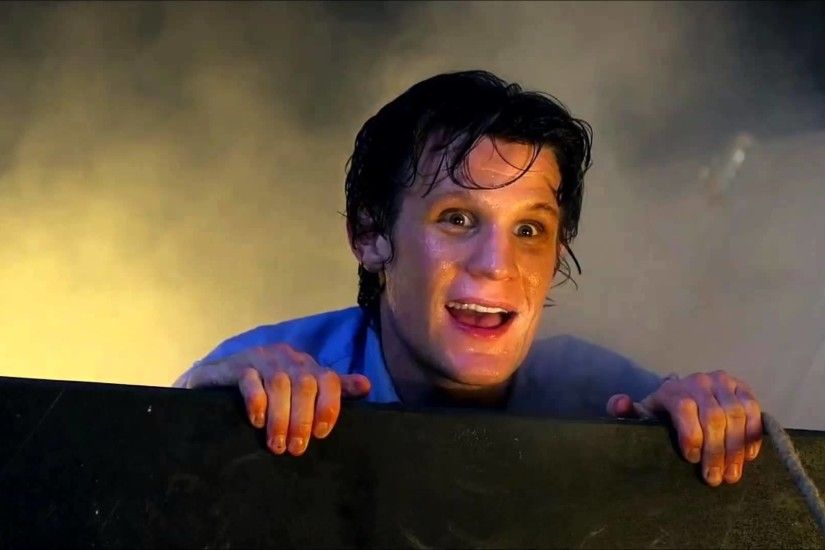 Doctor Who The Eleventh Hour Music - There's a Crack in my Wall - YouTube