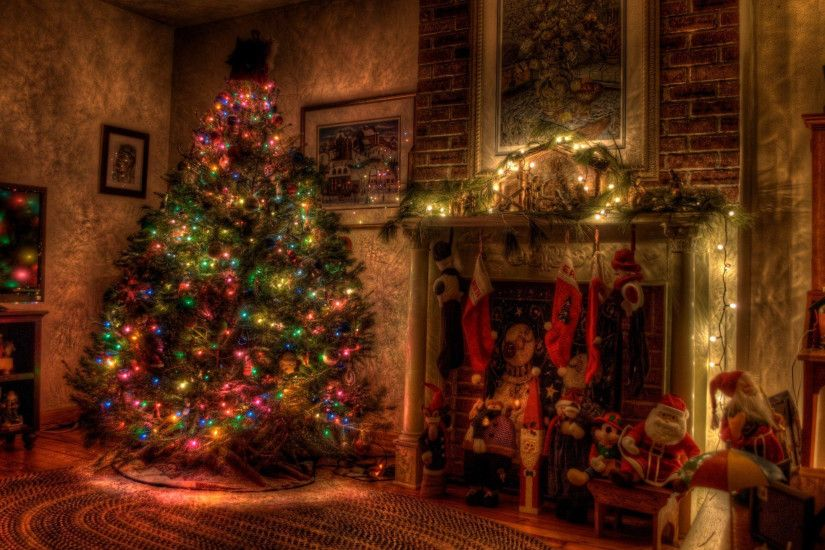 2560x1440 Wallpaper tree, christmas, holiday, garland, fireplace, toys,  stockings